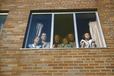 Neighbourhood watch, 1952