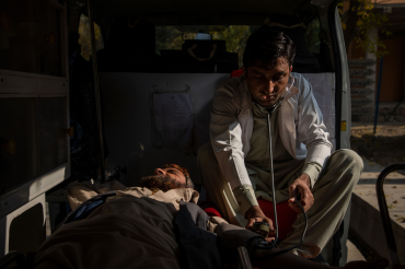 Un infirmier de la clinique Ghani khel, Afghanistan, 2019