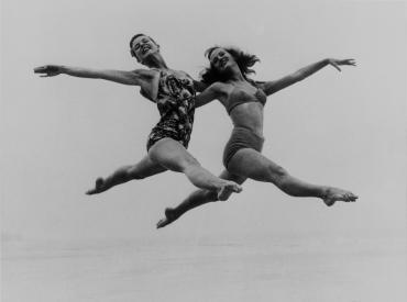 Eve et Jackie à Newquay, vers 1940