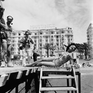 Gloria Menezes devant le Martinez, 1962