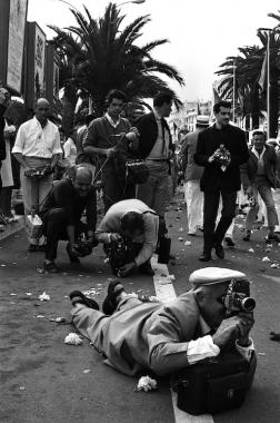 Photographe de presse au Festival de Cannes, 1965