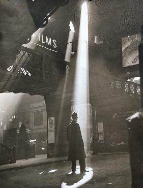 Le soleil brille gare de Liverpool Street, Londres, 1939