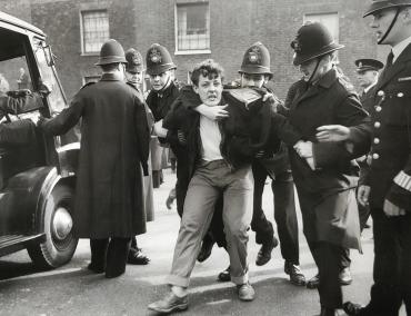 Echauffourées à St Pancras, vers 1950