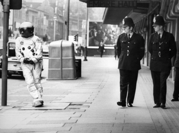 Bobbies contre astronaute, 1969