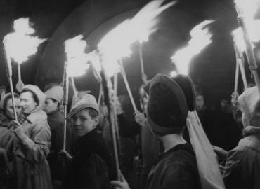 Retraite aux flambeaux pendant la Semaine sainte, 1938
