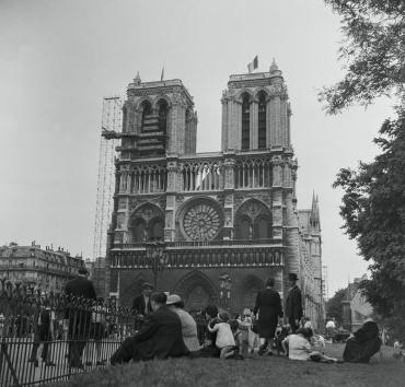 Notre-Dame, Paris, 1947