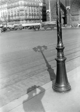 Le photographe, l'ombre et Notre-Dame, 1933