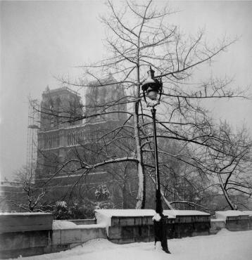 Paris sous la neige, 1946