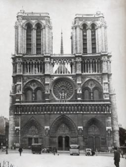 Vue de Notre-Dame de Paris, vers 1940