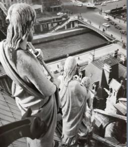 Trois Grâces sur les toits de Notre-Dame, 1966