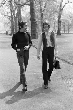 Françoise Hardy et Serge Gainsbourg dans Hyde Park, Londres, 1969