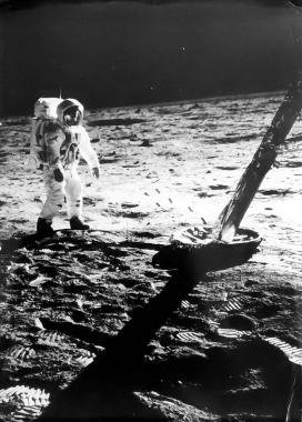 Les premiers pas de l'homme sur la Lune, 1969