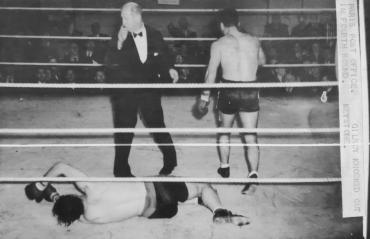 Marcel Cerdan met K.O. Bert Gilroy au 4ème round, 1947