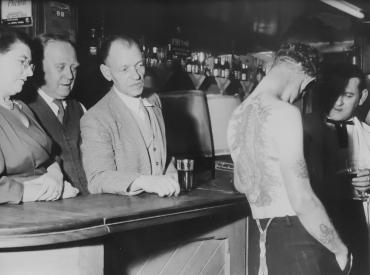 Admiration au Bristol Tatoo Club, vers 1950