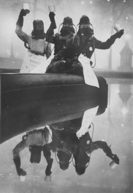Combinaisons anti-brouillard, Londres, vers 1960