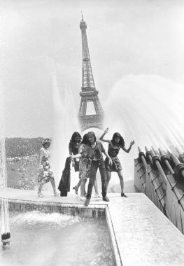 Rien de tel qu'une bonne douche au Trocadéro !
