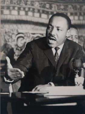 Martin Luther King recevant le prix nobel de la paix, Oslo, 1964