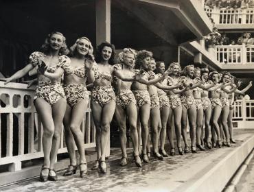 Qui est la plus jolie ?, Paris, 1946