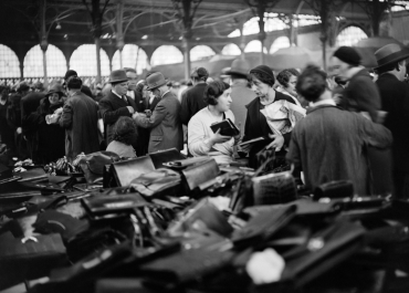 Marché au Carreau du Temple, Paris, vers 1930