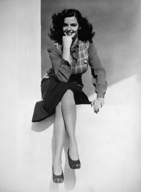 L'actrice américaine Jane Russell en tenue décontractée, vers 1940
