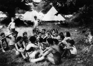 Camp international de vacances des faucons rouges à Villeneuve, 1935
