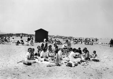 Vacances au bord de la mer, Deauville, 1936