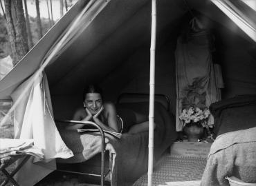 Camping dans la forêt Landaise, 1939