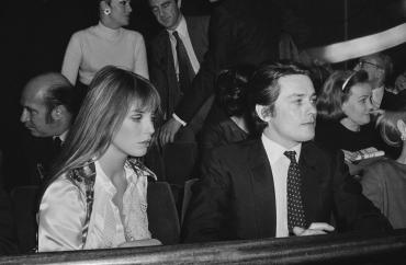 Jane Birkin et Alain Delon à la première du film « La piscine », Paris, 1969